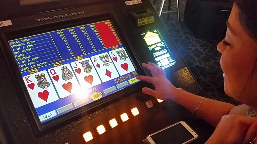 How to receive free spins at online slot casinos?